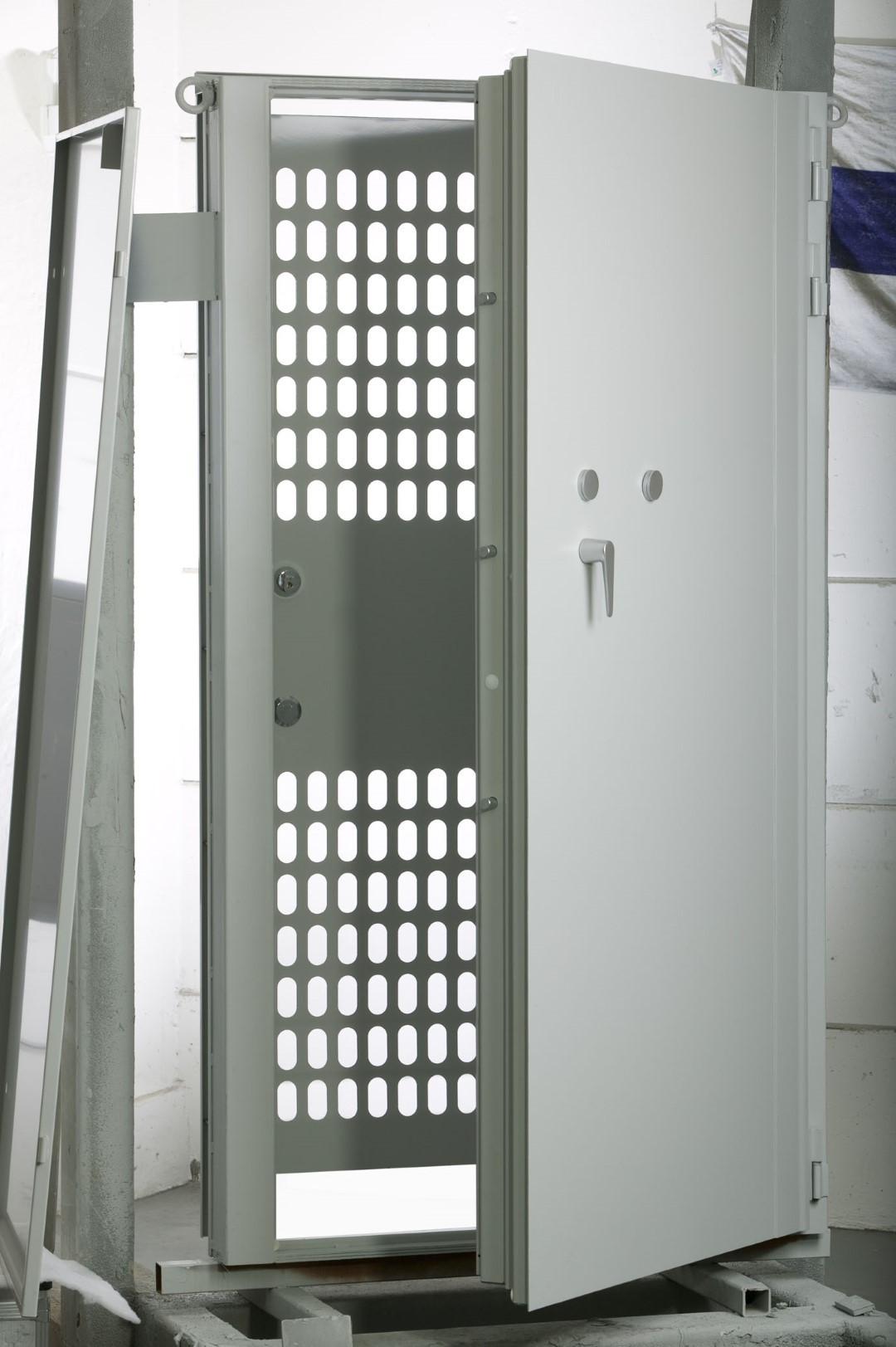 safe room vault door